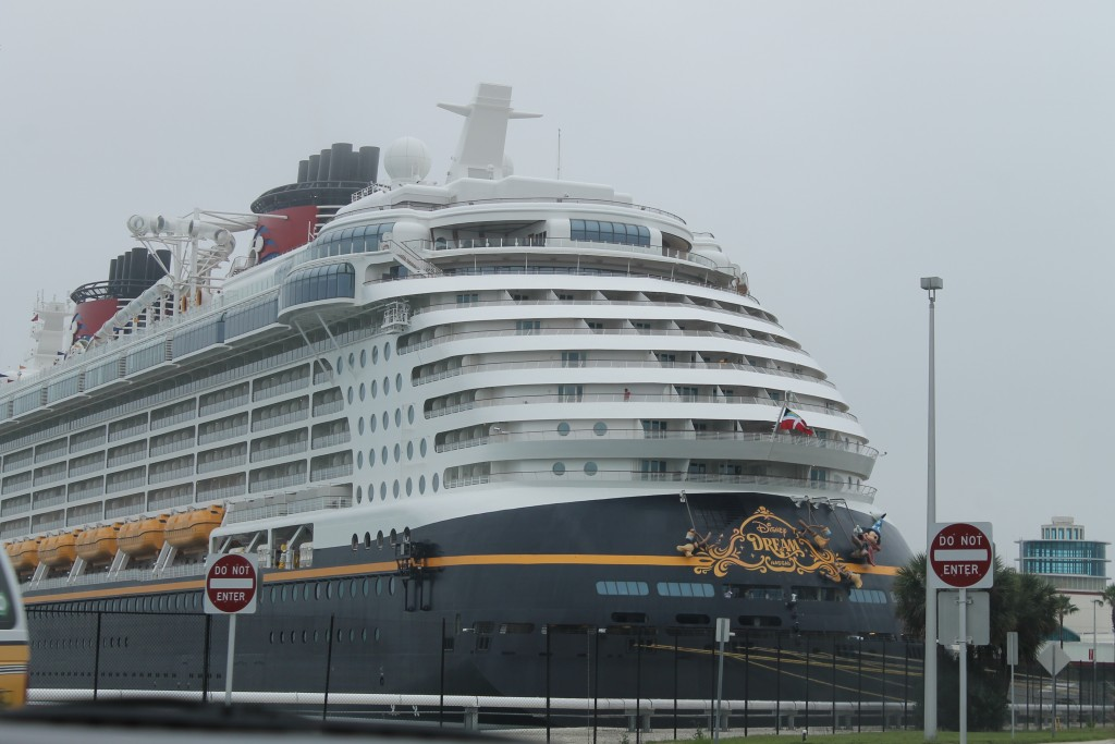 Disney Cruise - Disney Dream in Port Canaveral 2